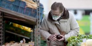 U.S. Reviews Guidance on Masks to Fight Coronavirus as Europe Embraces Their Use