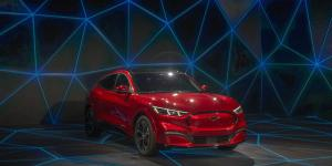 Car Makers Rushing to Copy Tesla Lack One Thing: Buyers