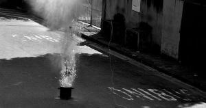Andorinhas, que tem sido o epicentro da violência em Vitória, foi cenário da detonação de uma granada caseira pelo esquadrão antibombas e teve escola novamente na mira de tiros nesta semana