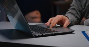 Interessados podem se inscrever até 25 de outubro; candidatos precisam ter curso superior na área de tecnologia da informação
