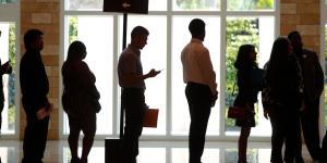 Fewer Jobless Americans Tap Unemployment Benefits