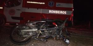 Colisão que vitimou Igor Antônio Ribeiro aconteceu por volta das 20h20 desta segunda-feira (12) no local conhecido como 'Curva da Volta Fria'