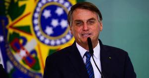 Depois de o presidente atrasar a vacinação, disseminar fake news e tensionar o país em plena pandemia, este artigo lista os principais motivos para as pessoas continuarem acreditando em Bolsonaro