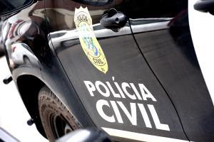 O homem de 26 anos foi detido nessa quarta-feira (27). A prisão ocorreu na residência do suspeito, no bairro Crubixá