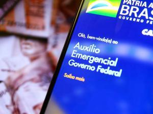 Governo federal vai liberar recursos extras para 196 mil brasileiros que contestaram a suspensão de repasses do auxílio emergencial em novembro e dezembro. Uma opção que ainda resta é procurar a Defensoria Pública e ir à Justiça
