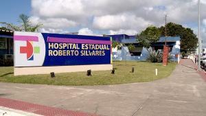 Detido, de 23 anos, estava escoltado pela polícia e conseguiu fugir do Hospital Roberto Arnizaut Silvares, em São Mateus, usando o pedaço de um copo plástico
