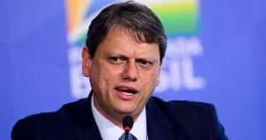 Tarcísio Gomes de Freitas anunciou que o PIB cresceu 1,5%, superior à média que o mercado esperava, de 0,7%; na realidade, o PIB teve avanço de 1,2% no 1° trimestre em relação ao 4° trimestre