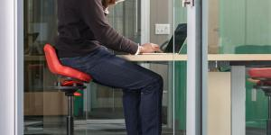 Goodbye, Back Pain? This Office Chair Was Designed by a Trauma Surgeon