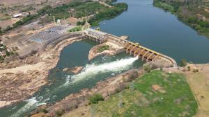 Companhia planeja diminuir seu investimento em geração hidrelétrica, até 2025. Segundo especialistas, proposta vai na linha das práticas adotadas em outros países e pode ajudar a atrair investimentos