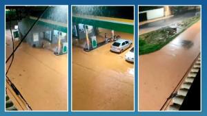 O morador filmava a rua alagada por conta da chuva forte desta segunda (8) no município, quando foi surpreendido pela queda de um raio, que atingiu uma igreja católica