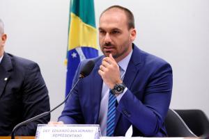 O deputado Eduardo Bolsonaro (PSL-SP), filho do presidente Jair Bolsonaro (sem partido), e a ministra da Agricultura, Tereza Cristina (DEM-MS) receberam diagnóstico de Covid