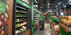 Amazon Opens Cashierless Supermarket in Latest Push to Sell Food