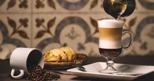 As sugestões do bartender Gabriel Saragó para a estação são releituras dos clássicos irish coffee, martini e moscow mule