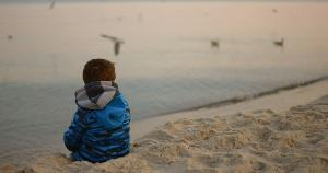 Pais e professores, mesmo que à distância, precisam prestar atenção na forma como jovens se expressam, pois podem ser sinalizações ou respostas de como estão se sentindo