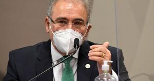 O anúncio do ministro ocorre um dia após o presidente veicular teorias conspiratórias , entre elas a de que o vírus havia sido concebido em laboratório como uma guerra biológica