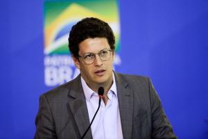O ministro critica a demora para a investigação das ilegalidades no setor ser concluída e afirma que as informações dos empresários são 'coerentes de não haver a propagada ilegalidade'