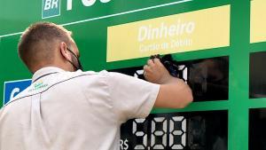 Combustíveis foram os responsáveis por puxar o IPCA medido pelo IBGE no Espírito Santo e também em todo o país. Entenda os impactos