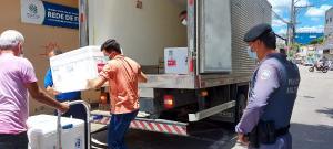Carregamento com doses da CoronaVac chegou no fim da manhã desta terça (19) e será encaminhado para cidades das regiões de Colatina e São Mateus