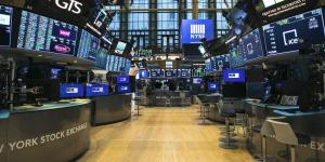 U.S. Rebuffs Calls to Close Stock Market