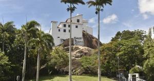 Passados 451 anos, a Província Franciscana da Imaculada Conceição do Brasil está prestes a receber o título definitivo de posse de toda a área do Monte da Penha