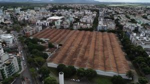 O Conselho Estadual de Cultura (CEC) aprovou pedido de tombamento, o que impede mudanças estruturais no imóvel, cujo leilão está previsto para este mês