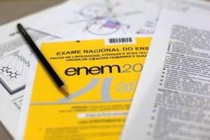 Candidatos que disputam uma vaga no Enem devem ficar atentos às regras da seleção, já que o não cumprimento pode resultar em eliminação