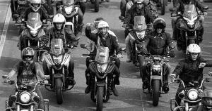 A liberação das cancelas para motociclistas na futura concessão da BR 262 é descaradamente uma atitude política de Jair Bolsonaro, encantado com a mobilização promovida por suas 'motociatas' nos últimos meses