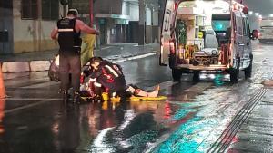 A Central de Videomonitoramento informou que o atropelamento aconteceu perto de uma faixa de pedestres, mas não foi possível afirmar como se deu o acidente