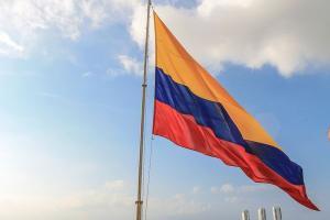Os termos 'Colômbia' e '#SOSColombia' chegaram aos trending topics do Twitter, conforme usuários compartilhavam cenas de violência policial nas ruas de Bogotá, capital do país