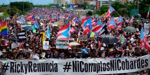 Puerto Rico Protests: Thousands Demand Governor's Resignation