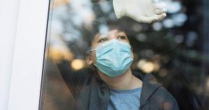 País europeu chegou a ser líder mundial em contaminados por 100 mil habitantes em fevereiro, durante terceira onda, mas agora vê os números decresceram de forma espetacular