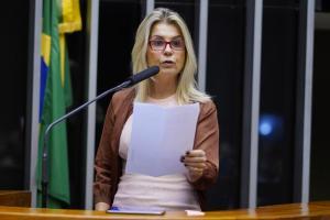 Soraya Manato queria ter tomado a Sputnik V, chamada de 'vacina do Bolsonaro'. Defensora do uso de cloroquina para o tratamento precoce contra Covid-19, ela foi uma das primeiras trabalhadoras da saúde a se vacinar no Estado
