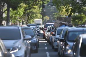 Trafegar acima da velocidade permitida e ultrapassar sinal vermelho foram as infrações mais cometidas em 2020. Em média, 1,38 infração foi cometida por minuto no ES