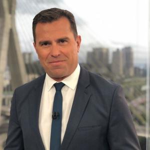 Em comunicado, o jornalista ressalta que, mesmo com a contratação, vai continuar apresentando o Bom Dia São Paulo e o Bom Dia Brasil