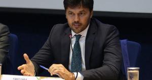"""De acordo com Fábio Faria, ministro das Comunicações, com a internet 5G, """"o problema de cobertura será eliminado do Brasil"""""""