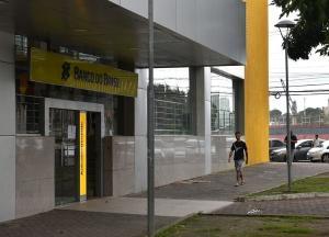 O banco informa ainda que iniciou ação para ampliar sua rede de correspondentes (Rede Mais BB) nos municípios que atualmente contam exclusivamente com aqueles canais de atendimento