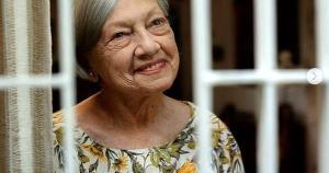 Dona de uma carreira marcada por sucessos nos palcos, na televisão e no cinema, Berta recebeu vários prêmios ao longo da vida