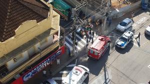 O atropelamento foi na manhã desta sexta-feira (26) no bairro Independência; a vítima foi socorrida pelos bombeiros e levada para uma unidade de saúde com escoriações