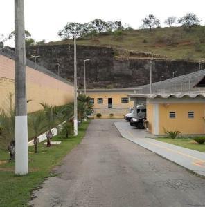 Detento da Penitenciária Regional de Cachoeiro de Itapemirim foi encontrado desacordado na madrugada do último sábado (10). Caso é investigada pela Polícia Civil como homicídio