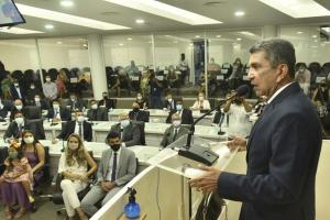 Em cerimônia de posse, Sergio Vidigal (PDT), que venceu, no 2° turno, candidato apoiado pelo atual prefeito, Audifax Barcelos (Rede), também pregou união