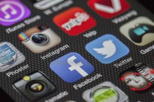 Curtidas, comentários e compartilhamentos: o engajamento do público faz com que os candidatos cresçam no Facebook e no Instagram. Saiba quem acumula mais interações