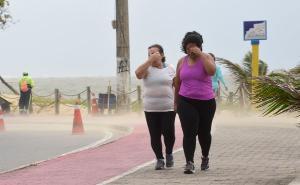 As condições climáticas sobre o Estado favorecem a formação de um ciclone, que pode gerar ventos de até 65 km/h para mais de 30 cidades do Estado até a manhã desta segunda-feira (26)