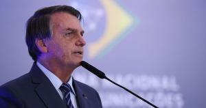 O presidente Jair Bolsonaro também sugeriu que o país asiático teria se beneficiado economicamente da pandemia e afirmou que a Covid-19 pode ter sido criada em laboratório