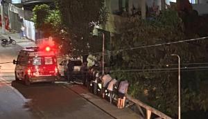 Acidente aconteceu na noite dessa terça-feira (23). Ele foi resgatado pelo Corpo de Bombeiros