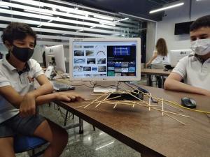 Metodologia e recursos inovadores estimulam o interesse do aluno do Centro Educacional Primeiro Mundo pelo desenvolvimento digital