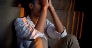 Sintomas neuropsiquiátricos provocados pelo coronavírus promovem sequelas que podem durar por meses, como perda de atenção e a memória, mesmo em adultos jovens. É preciso estar atento aos sinais