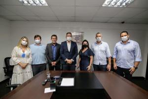 Líder do Centrão, Arthur Lira (PP-AL) é o candidato de Bolsonaro para presidir a Câmara e minimiza percalços do governo no combate à pandemia de Covid-19