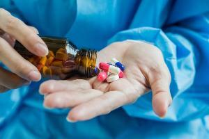 O medicamento, sem eficácia comprovada contra a Covid-19, tem sido usado por muitos pacientes em tratamento precoce, prática defendida por Jair Bolsonaro.