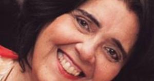 A profissional de comunicação faleceu às 21h deste domingo (12), na casa dela, na Praia do Canto, em Vitória