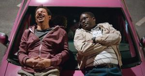 'Bad Trip', comédia lançada pela Netflix, é toda construída com esquetes de pegadinhas que colocam os figurantes como parte fundamental do filme